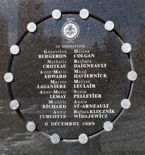 Photo of plaque at École Polytechnique commemorating victims of the massacre